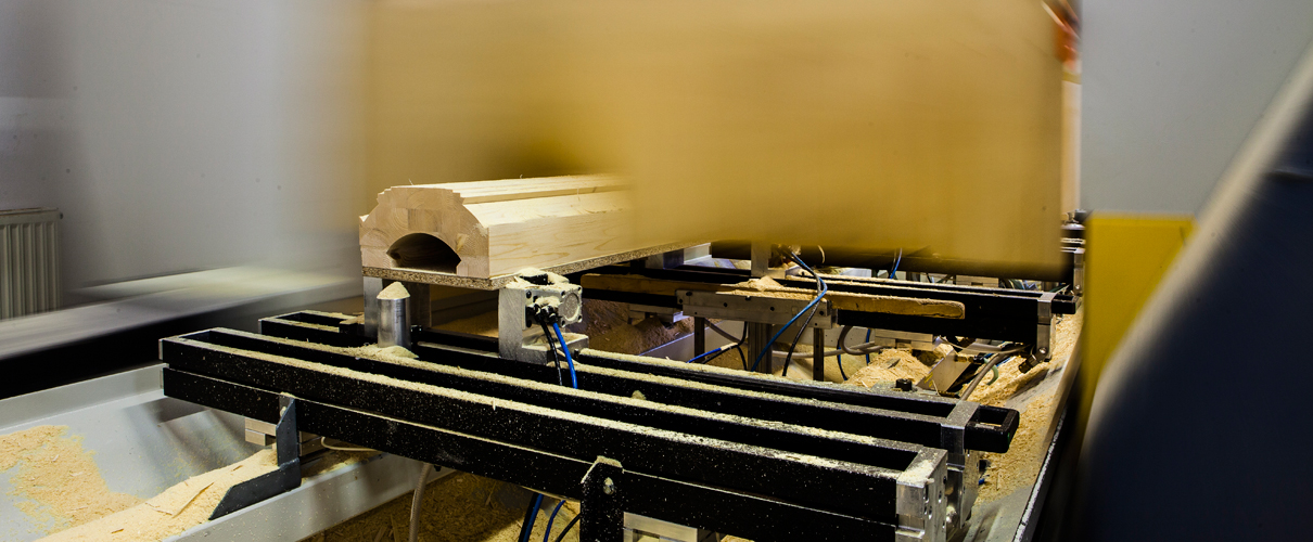 Lohnfertigung von Holzbauteilen auf CNC Maschinen