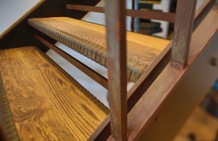 Designtreppe Loft im gerosteten Stahlgeländer