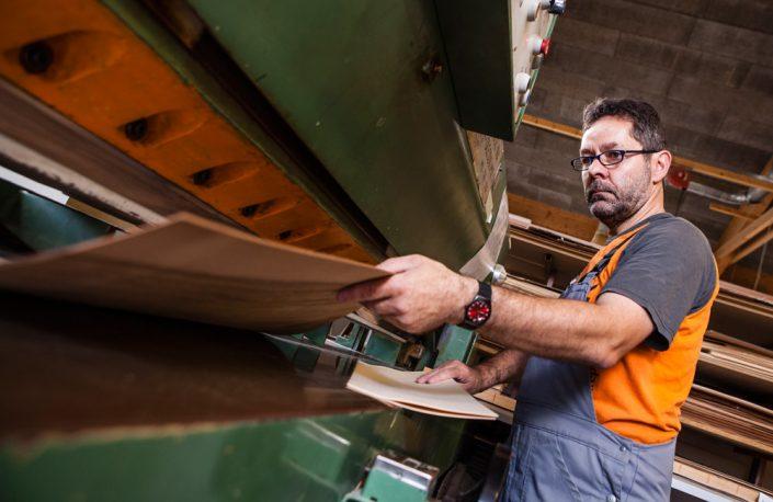 Lohnfertigung der Furnierverarbeitung für Möbel und Innentüren