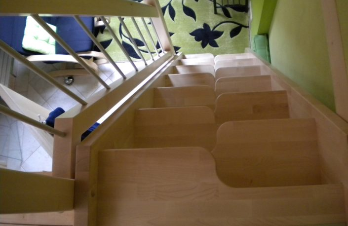 Raumpartreppe mit Samba-Stufen