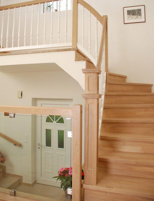Treppenbelegung Waldmüller für Rohbau- und Betonstiegen in Eiche